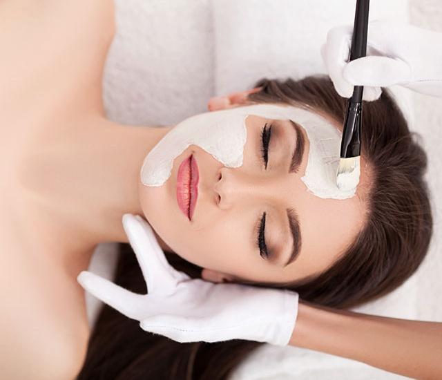 Kosmetik-Zeising_Kosmetikbehandlung_640x581.jpg